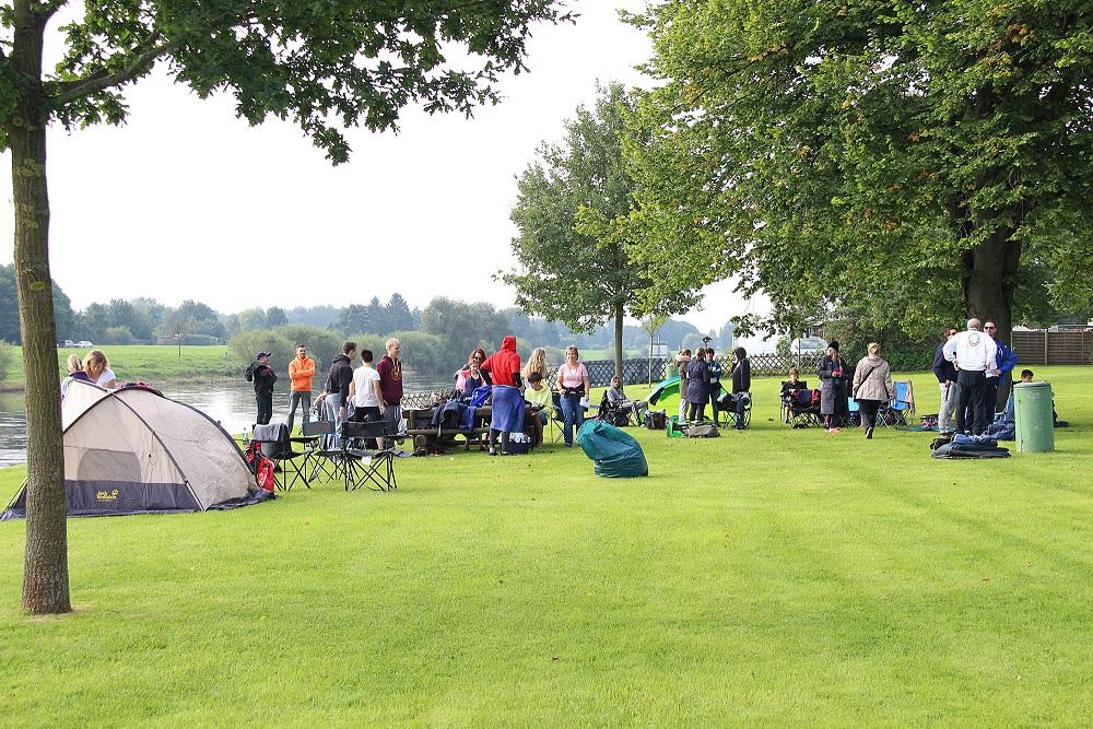 Wettkampf-Camp an der Weser